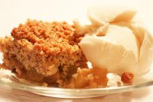 Apple Raisin Crumble