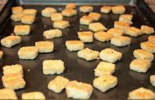 Crispy Oven Baked Garlic Tofu