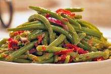 Green Beans with Smart Bacon and Sun Dried Tomatoes